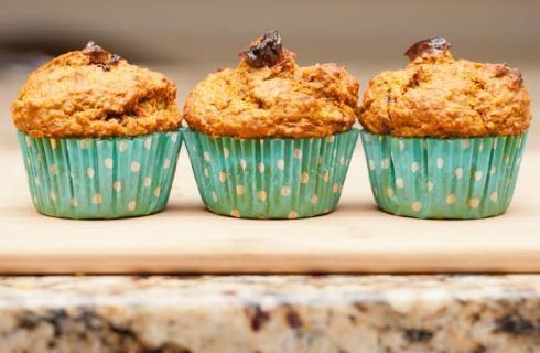 How do you make breakfast good for you and tasty? Hodgson Mill Multigrain Sweet Potato Date Muffins!